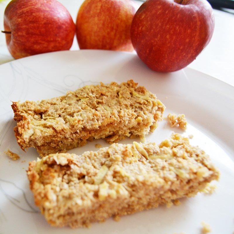 Apple Peanut Butter Oat Bars