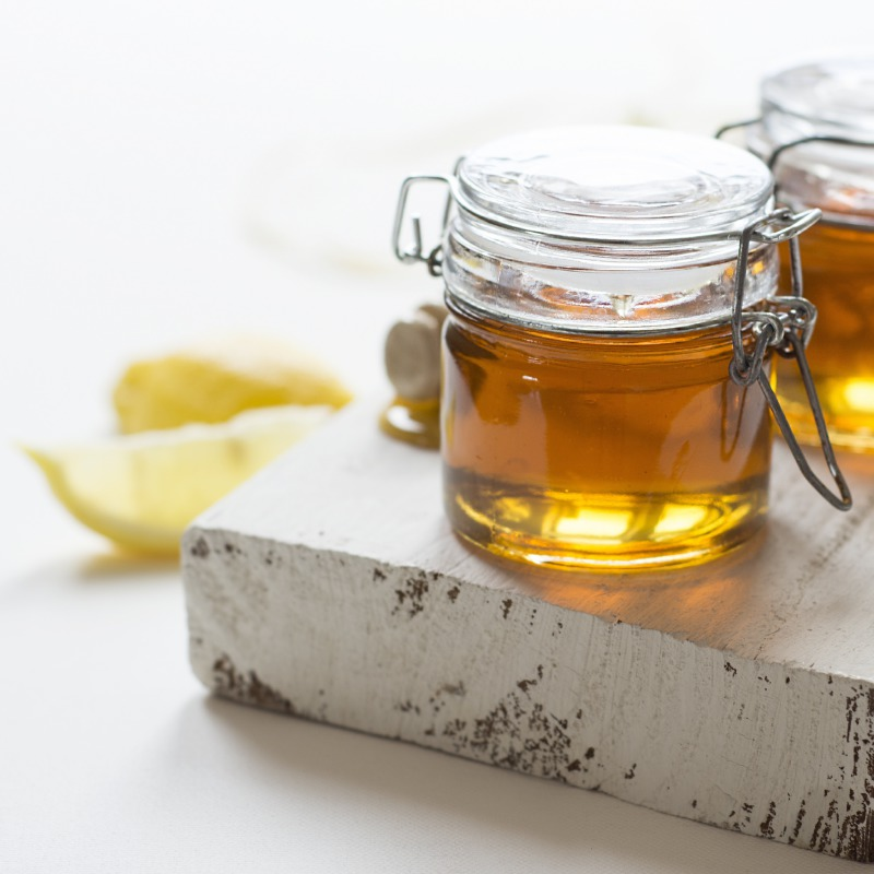 8 Amazing Beauty Uses of Honey to Benefit Your Skin, Hair and Nails